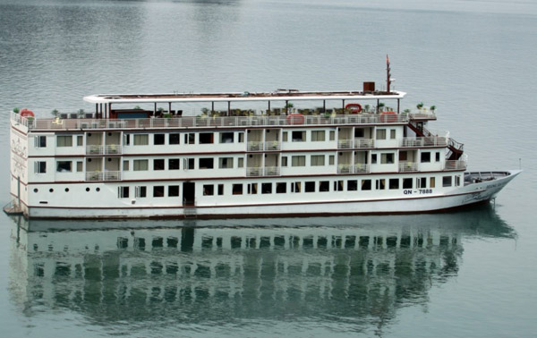 Du lịch với du thuyền Hương Hải Sealife Hạ Long