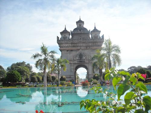 Patuxay  nét đẹp duyên dáng Lào