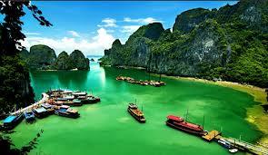 Nét đẹp tuyệt sắc Vịnh Hạ Long.
