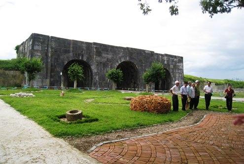 Du lịch Sầm Sơn - khám phá Di sản thế giới Thành Nhà Hồ