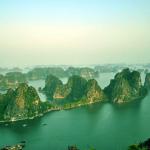 Ngắm vẻ đẹp rất khác của vịnh Hạ Long từ trên cao