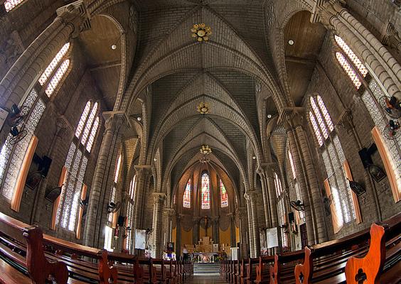 Kiến trúc cổ trong nhà thờ