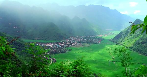Núi rừng Mai Châu bao la và trong lành