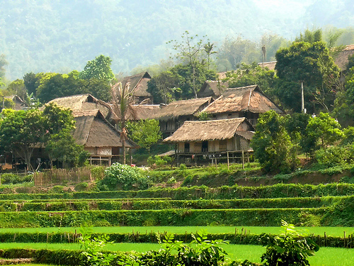 Những ngôi nhà sàn Bản Lác Mai Châu