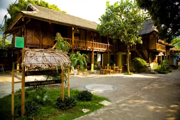 Nhà sàn Mai Châu