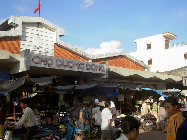 Chợ Dương Đông- Điểm đến không thể bỏ qua khi đến với Phú Quốc