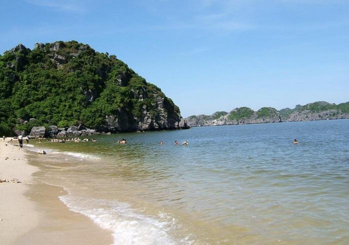 Một góc bờ biển Titop