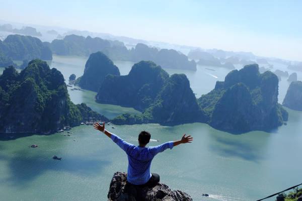 Khám phá đỉnh núi bài thơ Hạ Long
