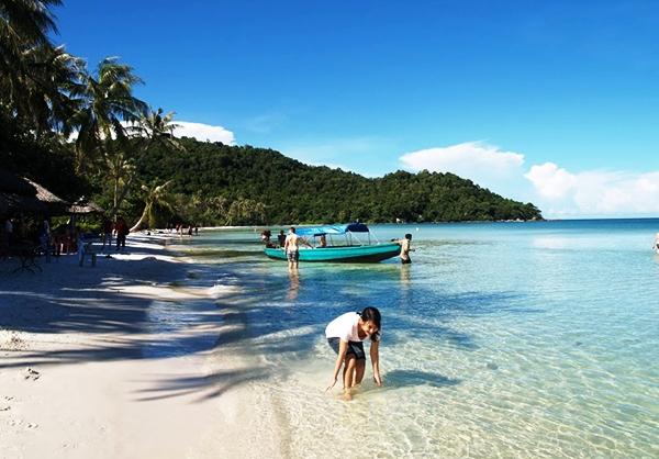 Phú Quốc sở hữu những bãi biển hết sức trong xanh đẹp mê hồn